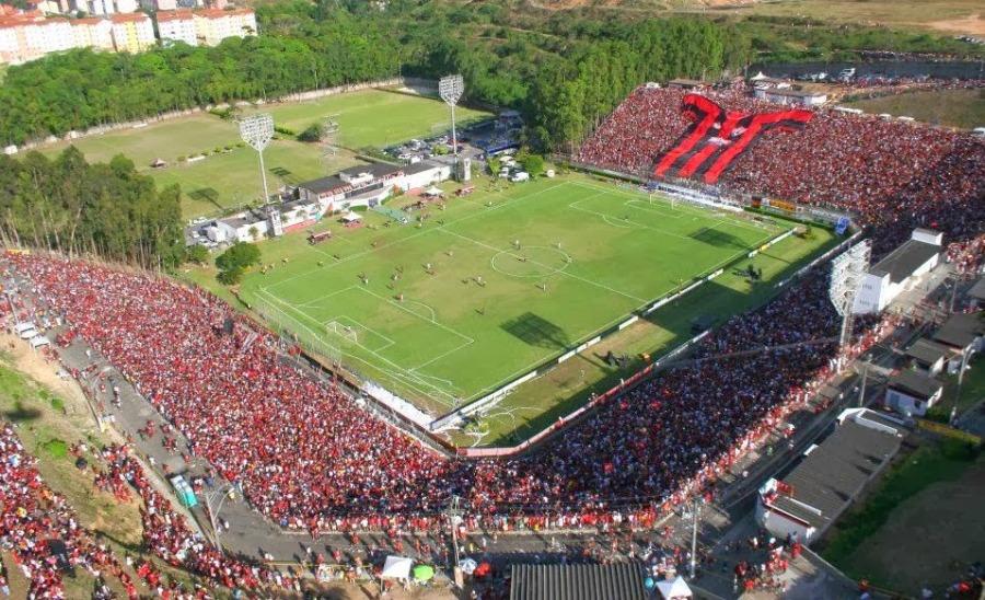 06 - Barradão Salvador b.jpg